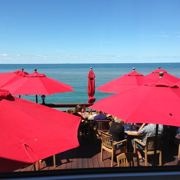 Photo taken at Lake House Restaurant by Igor L. on 7/24/2013