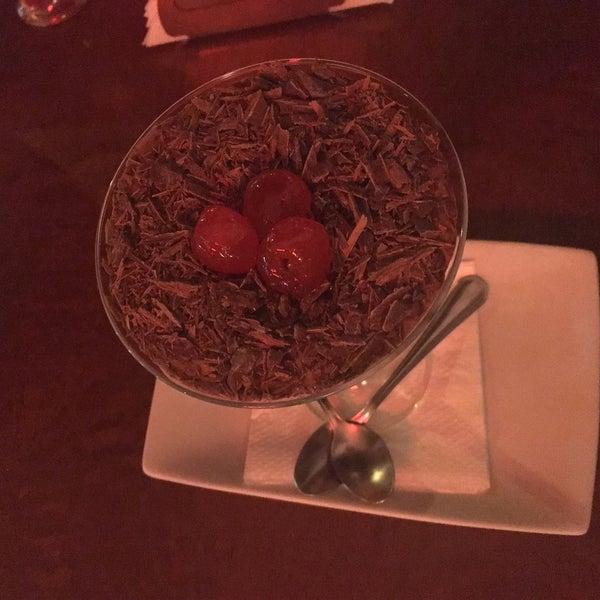 O mouse de chocolate amargo com Jack Daniel's é muito bom!