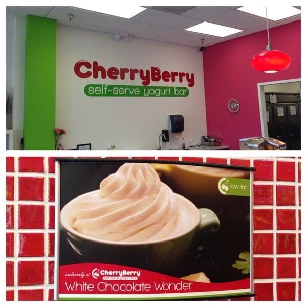 Photo taken at CherryBerry Yogurt Bar by Jennifer O. on 8/9/2013