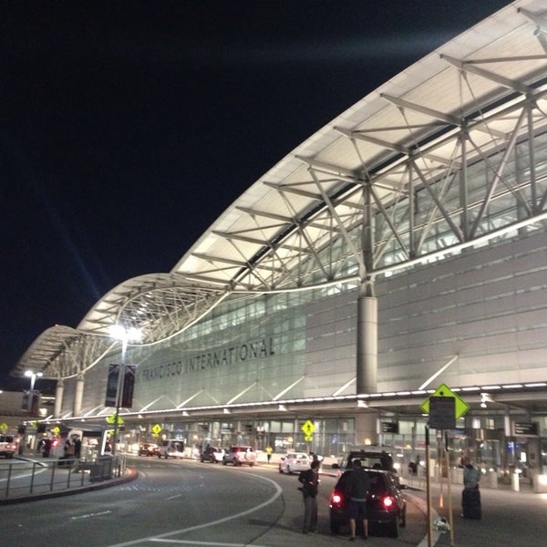 Photo taken at San Francisco International Airport (SFO) by Ramon A. on 10/1/2013