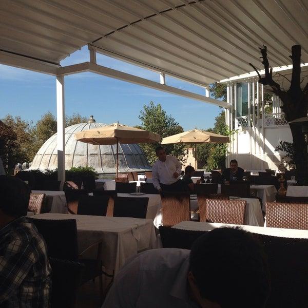 9/26/2013 tarihinde Küçük Oteller.com.trziyaretçi tarafından Matbah Restaurant'de çekilen fotoğraf