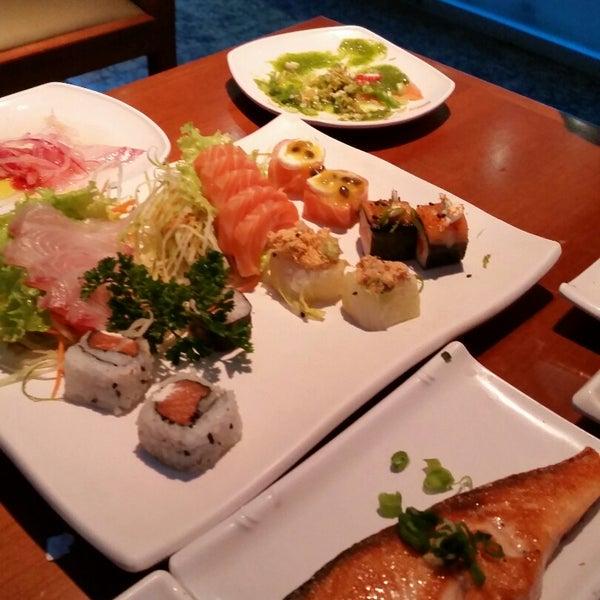 รูปภาพถ่ายที่ Saikou Sushi โดย Willian A. เมื่อ 11/30/2014