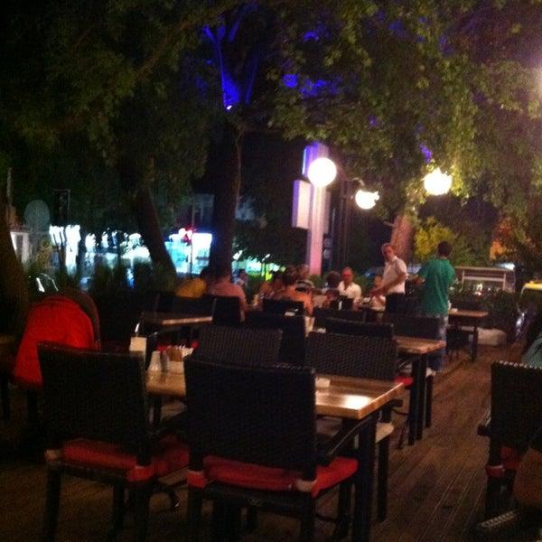 7/28/2013 tarihinde Halil B.ziyaretçi tarafından LimonH₂O Cafe Bistro'de çekilen fotoğraf