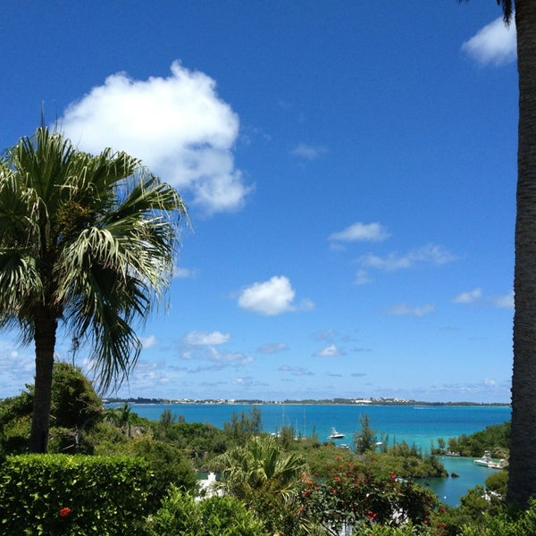 Photo taken at The Mid Ocean Club by Mo M. on 7/14/2013