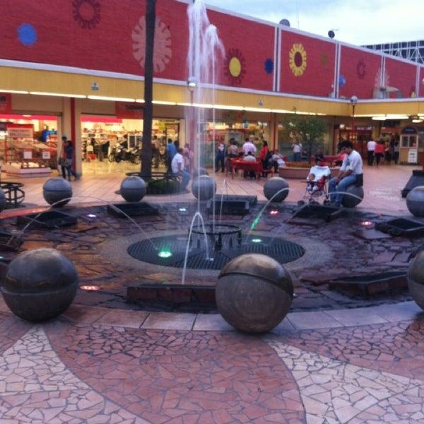 Foto tomada en Plaza del Sol por Elizana O. el 7/28/2013