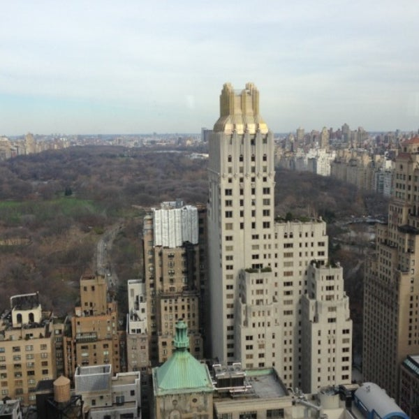 Amazing shower pressure + Great view of Central Park = Excellent hotel.