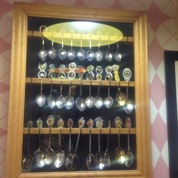Foto tomada en Bertani Cafe por Olga P. el 11/17/2016