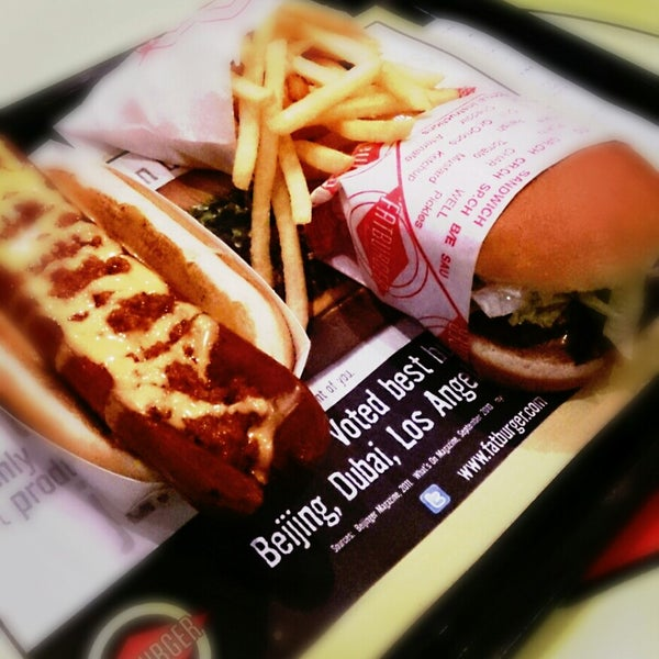 Photo taken at Fatburger by Shahad A. on 7/24/2013
