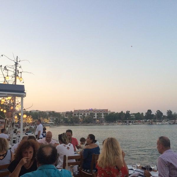Das Foto wurde bei Kekik Restaurant von Betül G. am 8/7/2018 aufgenommen