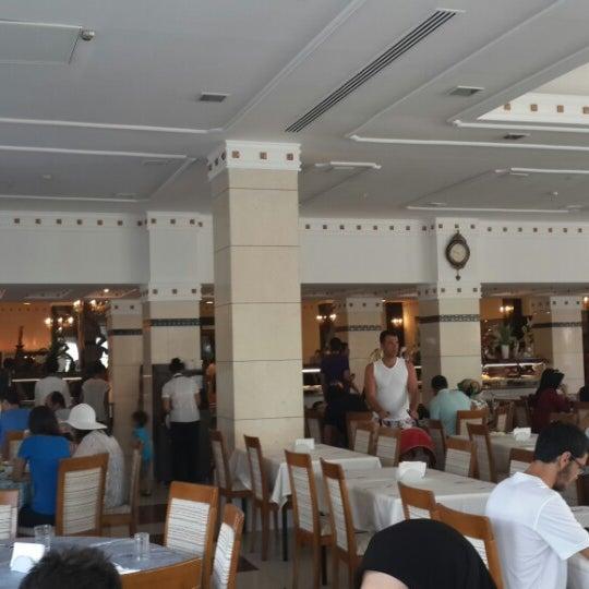 6/26/2013 tarihinde zaza z.ziyaretçi tarafından Sah İnn Restaurant'de çekilen fotoğraf