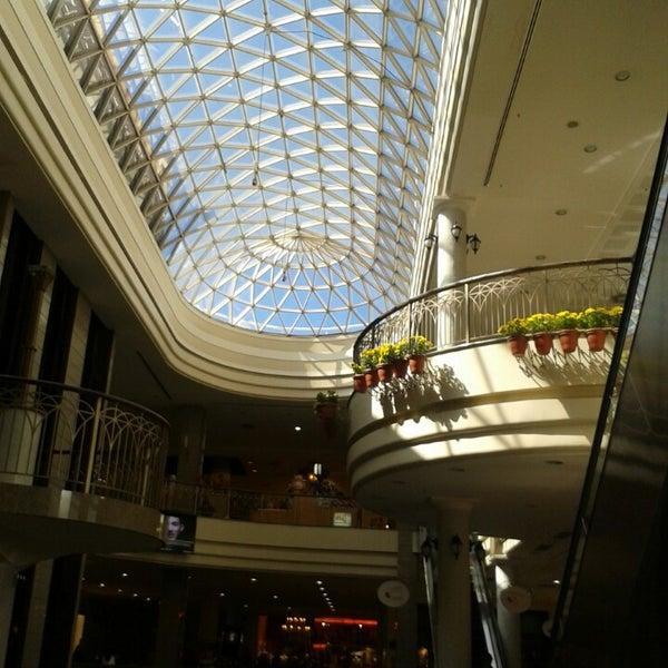 Foto tirada no(a) Shopping Del Paseo por Catarinna P. em 9/9/2013