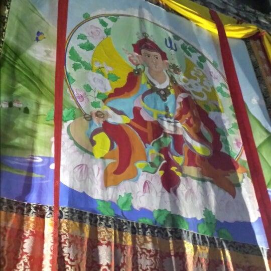 Das Foto wurde bei Os Tibetanos von Sergio N. am 5/16/2014 aufgenommen