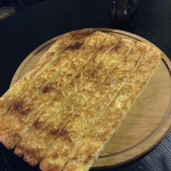 Photo taken at Ronny's Pizza Saburtalo | რონის პიცა საბურთალო by Alexander G. on 7/6/2013