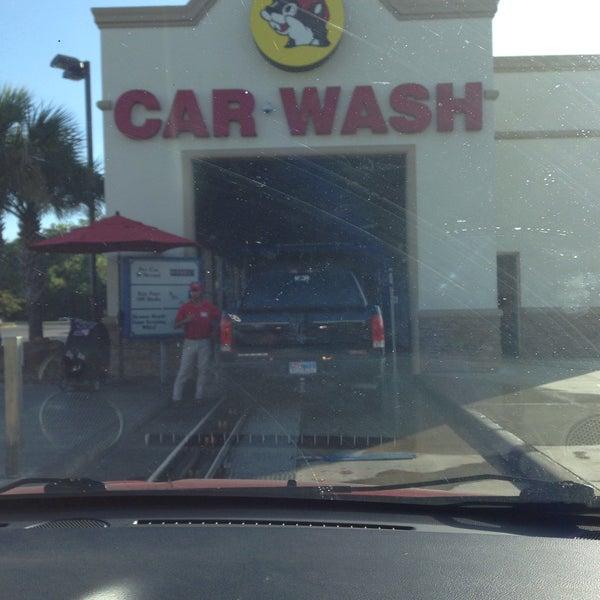 Buc-ee's Car Wash