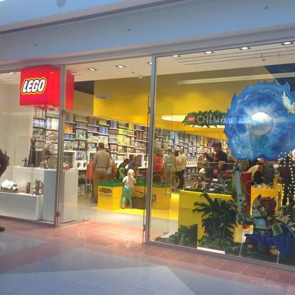 Photo taken at LEGO Store by Bram L. on 9/26/2013