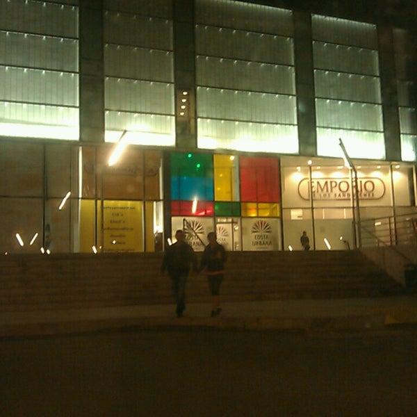 รูปภาพถ่ายที่ Costa Urbana Shopping โดย Yocz M. เมื่อ 2/15/2014