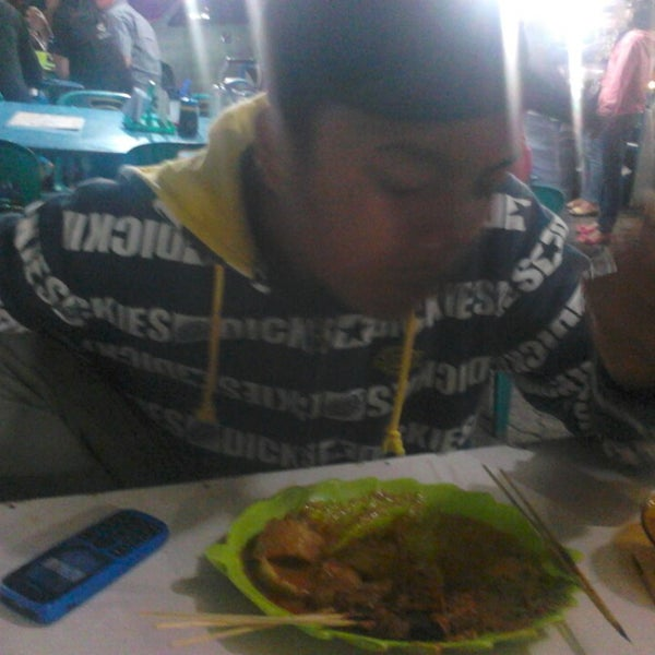 Photo taken at Pasar kaget berastagi by Yessy Yolanda T. on 8/14/2013