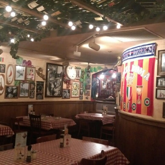Photo taken at Buca di Beppo by Nick Lukuei C. on 10/3/2014
