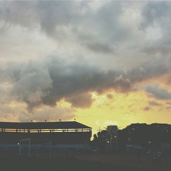 Photo taken at Iloilo Sports Complex by Paul Nino M. on 12/22/2013