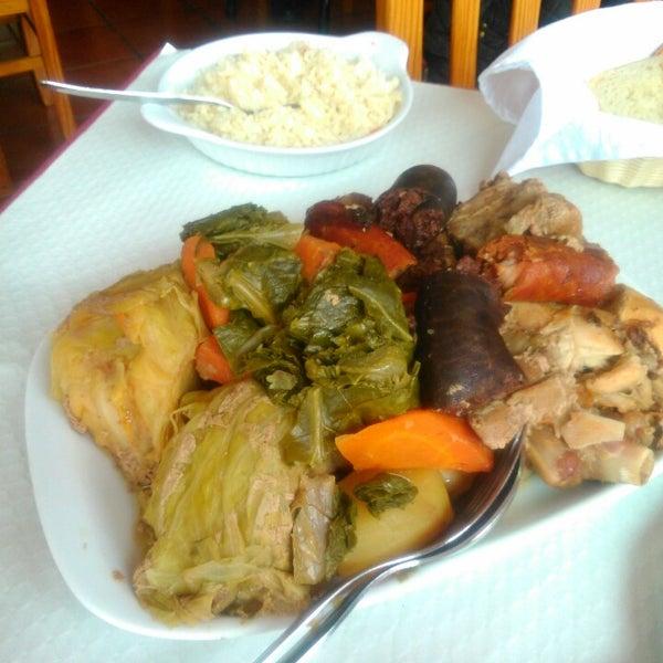 Foto tirada no(a) Restaurante Tony's por Vera L. em 1/29/2016