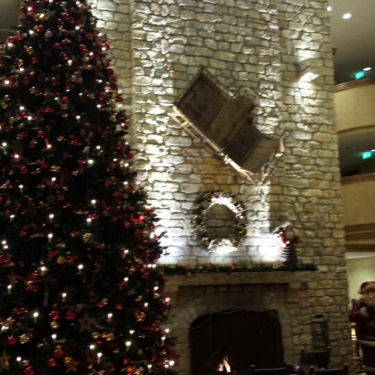 Photo taken at Edelweiss Lodge and Resort by Ed D. on 12/18/2013