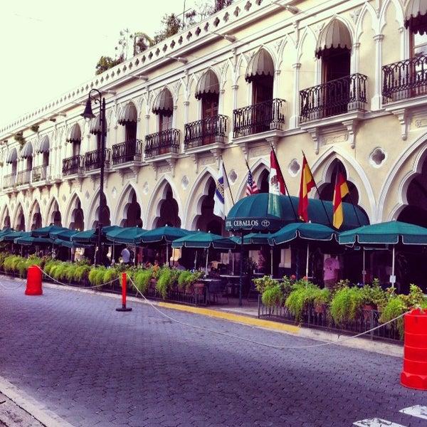 Los portales restaurante mexicano en colima for Los azulejos restaurante mexicano