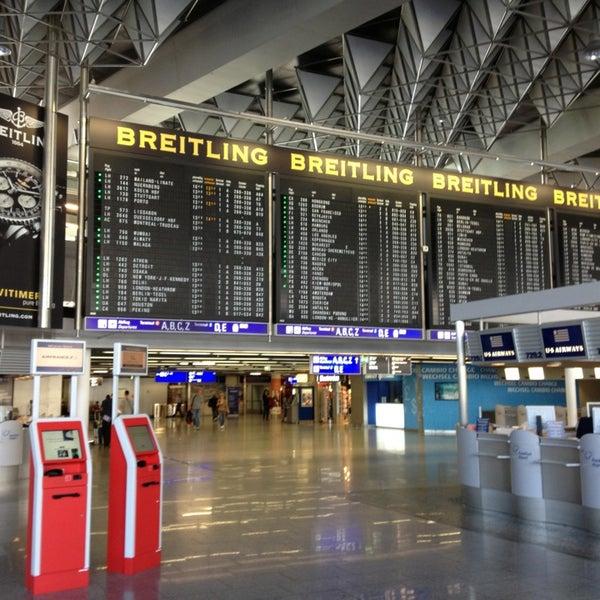 Das Foto wurde bei Frankfurt Airport (FRA) von Takeya N. am 9/24/2013 aufgenommen