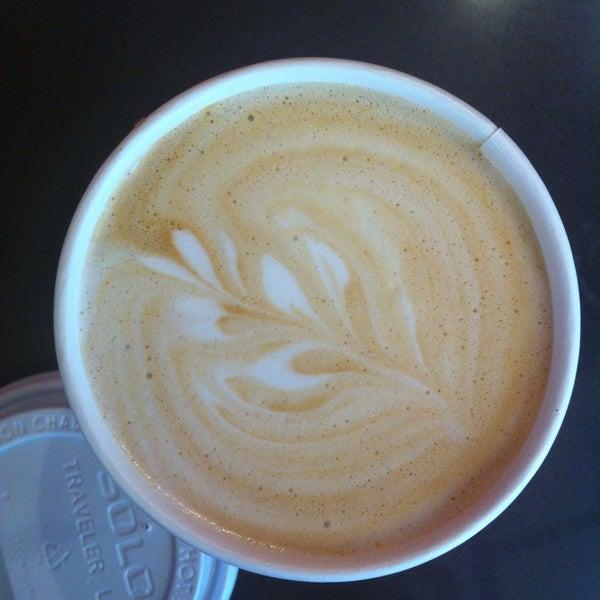 Снимок сделан в Robusta Espresso Bar пользователем Michelle C. 7/3/2013
