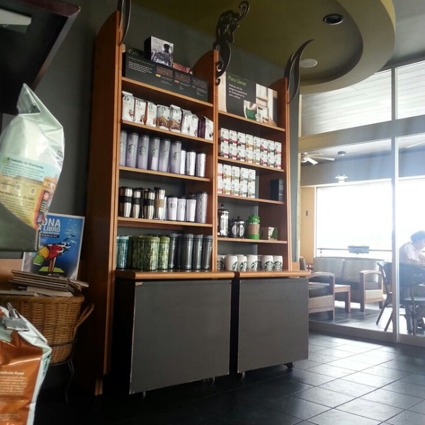 Photo taken at Starbucks by Ramon L. on 7/24/2013