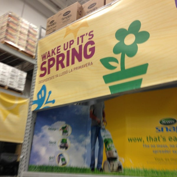 Photo taken at Lowe's Home Improvement by Matt B. on 4/6/2013