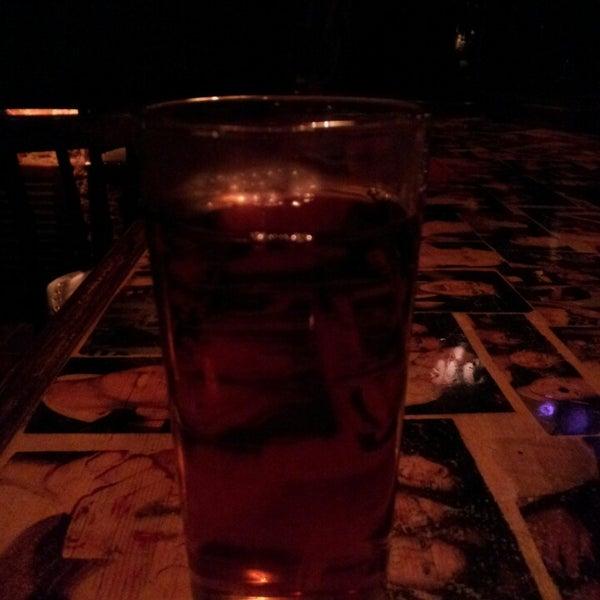 รูปภาพถ่ายที่ Körfez Bar โดย Ömer Ö. เมื่อ 6/20/2014
