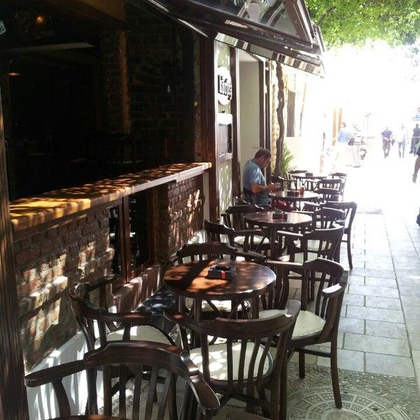 รูปภาพถ่ายที่ Körfez Bar โดย Ömer Ö. เมื่อ 5/1/2014