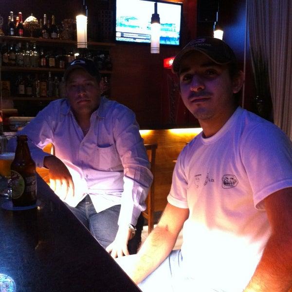 Foto tirada no(a) Mr. Pub por Luís Gustavo T. em 8/12/2013
