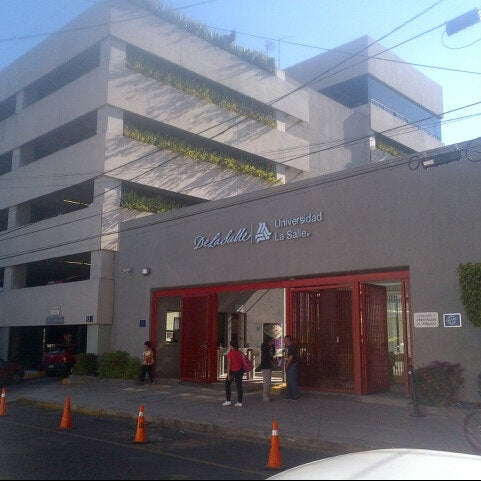 2/23/2013 tarihinde A1ekxziyaretçi tarafından Universidad La Salle'de çekilen fotoğraf