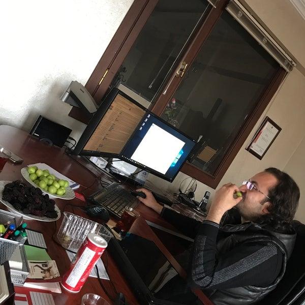 4/28/2017 tarihinde Ertuğrul D.ziyaretçi tarafından 3w Internet Teknolojileri'de çekilen fotoğraf