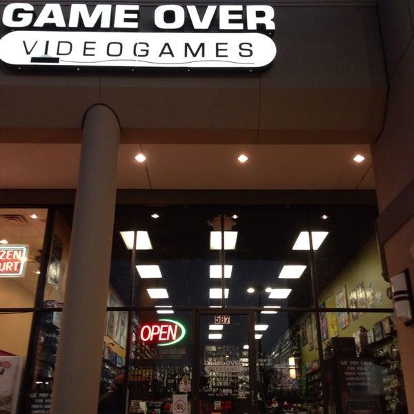 Photo prise au Game Over Videogames par Mario B. le1/30/2014