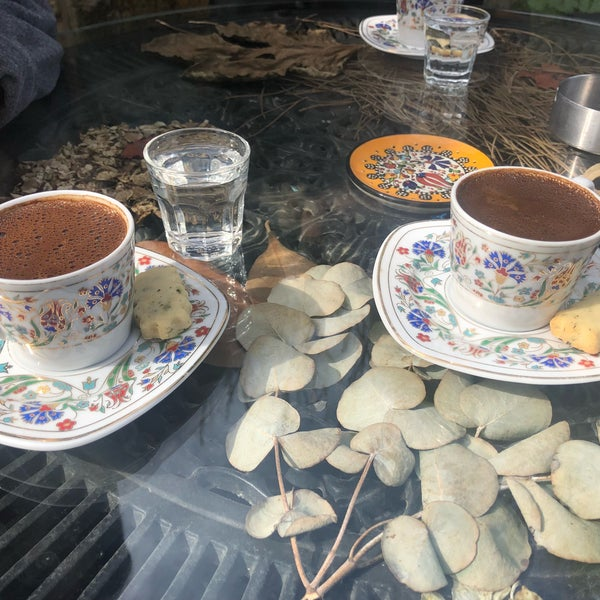 Photo prise au Üzüm Cafe par Yeliz G. le2/16/2018