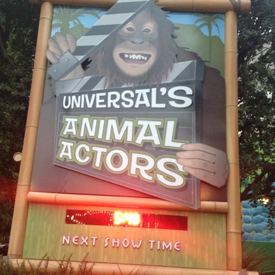 Photo taken at Universal's Animal Actors by Jesson L. on 11/17/2012