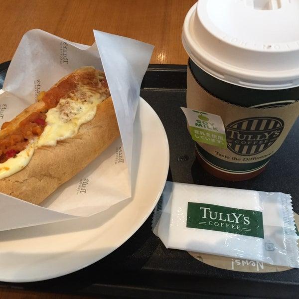 9/8/2015にYu T.がTULLY'S COFFEE 京急羽田空港駅店で撮った写真