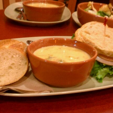 Photo taken at Panera Bread by Dy F. on 10/29/2011