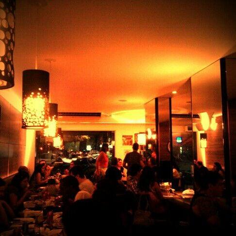 Foto tirada no(a) Ao Chopp do Gonzaga por Marcela I. em 11/27/2011