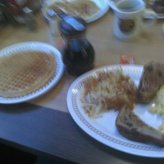 Photo taken at Waffle House by Chad M. on 12/11/2011