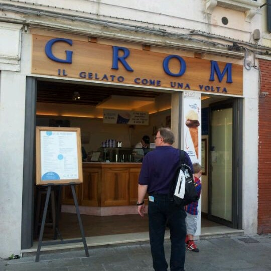 Photo taken at Grom by Susumu T. on 9/17/2011