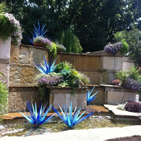 Foto tirada no(a) Dallas Arboretum and Botanical Garden por Ashley A. em 6/17/2012