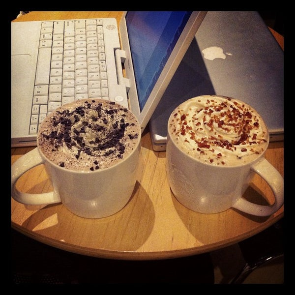 Photo taken at Starbucks by Dan B. on 12/7/2011