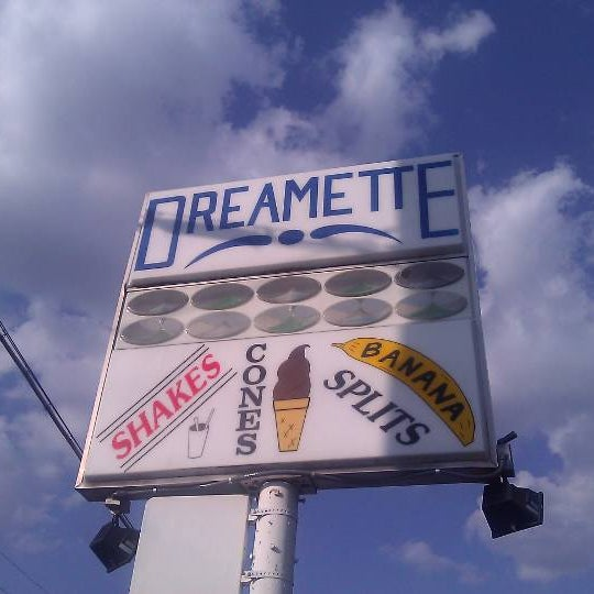 Photo taken at Dreamette by tom p. on 4/12/2011