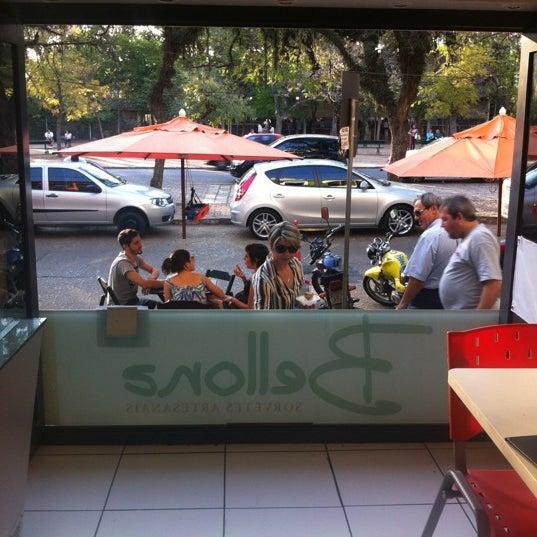 Foto tirada no(a) Bellona Sorvetes Artesanais por Diana L. em 8/23/2012