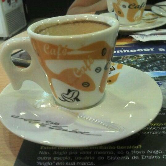 Photo taken at Confeitaria Romana by Bruno B. on 12/10/2011