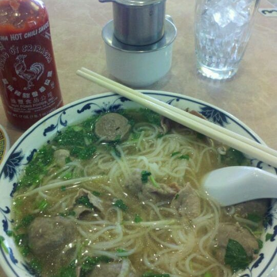 Photo taken at Pho 777 Vietnamese Restaurant by George Z. on 1/7/2012