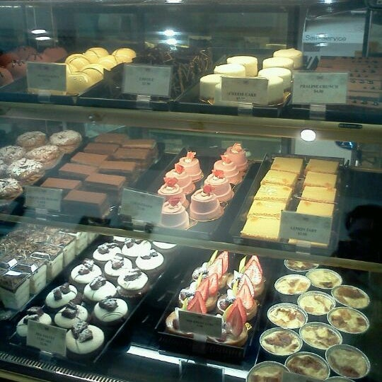 Photo taken at Cannelle Patisserie by tirza d. on 12/17/2011